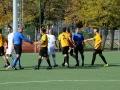 Le strette di mano fra giocatori di Ussi Roma e avversari e arbitri a fine gara