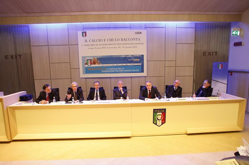 Il-Calcio-e-chi-lo-racconta-2012-Il-tavolo-dei-relatori