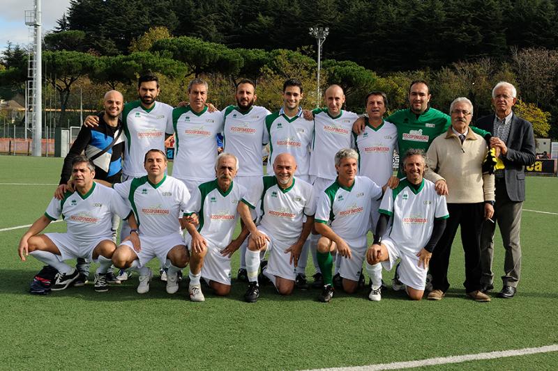 La squadra di Ussi Abruzzo prima della finalissima