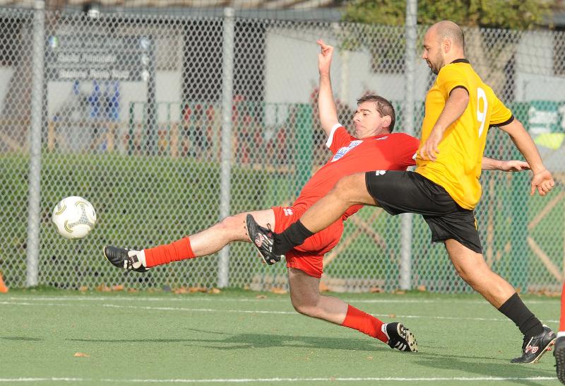 Seconda semifinale, Ussi Roma (in giallo) contro Ussi Puglia (maglia rossa)